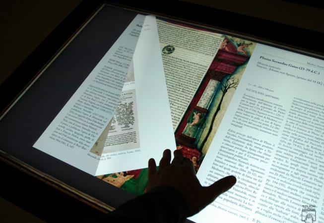 Postazioni interattive per musei e biblioteche effepi for Arredi per biblioteche