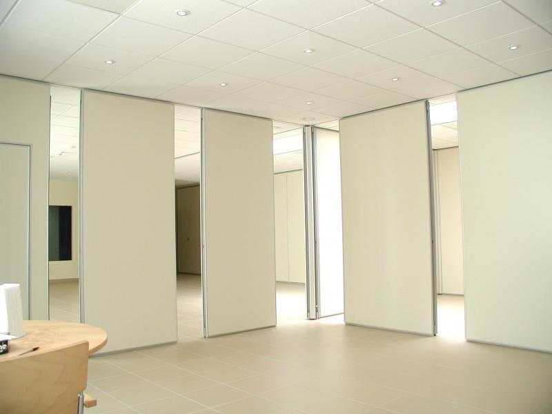 Pareti manovrabili residenziali effepi arredi contract for Idee per pareti divisorie