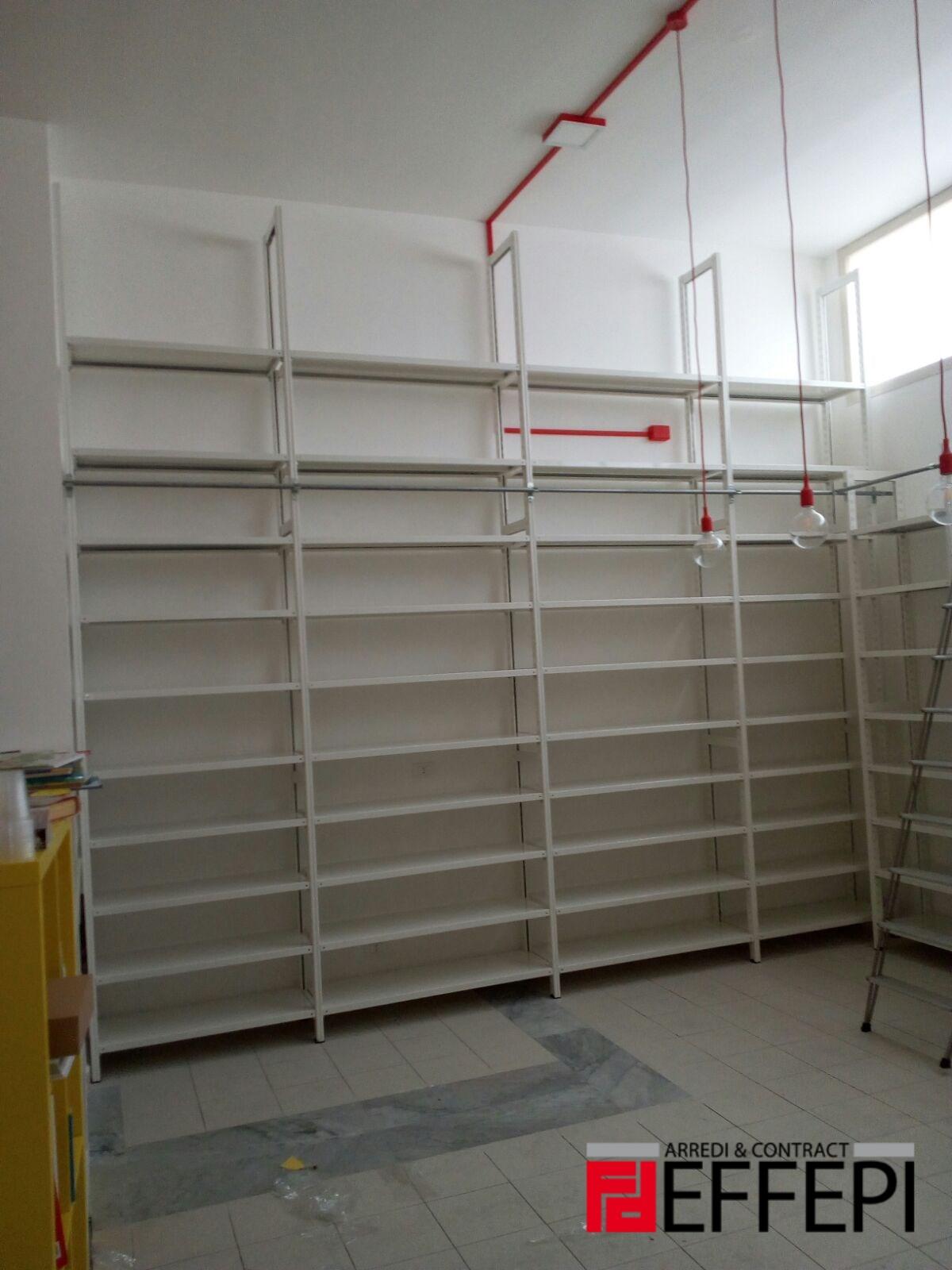 Scaffalature biblioteca save the children effepi arredi for Scaffalature per negozi e arredi ufficio usato palermo