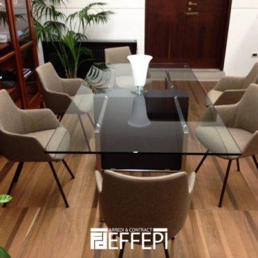 Fornitura arredi per sala riunioni o accoglienza