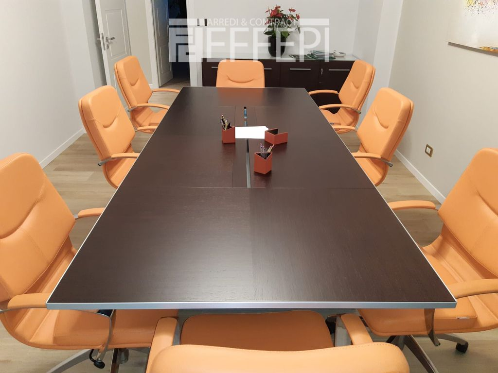 tavolo riunioni per ufficio
